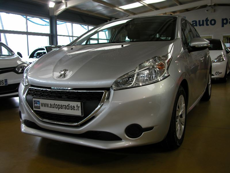 Véhicule d'occasion PEUGEOT 208 1.4 HDI 70 ACTIVE