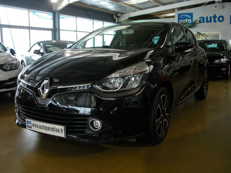 Véhicule d'occasion RENAULT CLIO 0.9 TCE 90 LIMITED