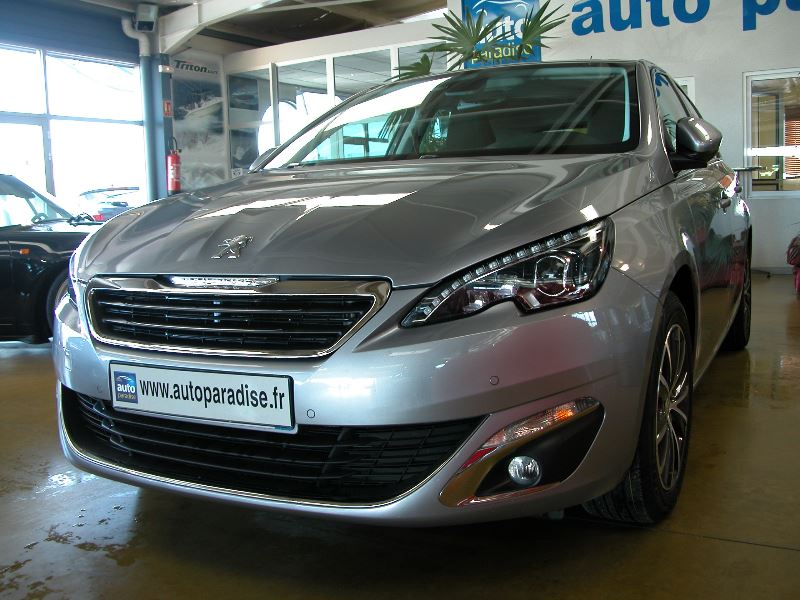 Véhicule d'occasion PEUGEOT 308 1.6 HDI 120 ALLURE