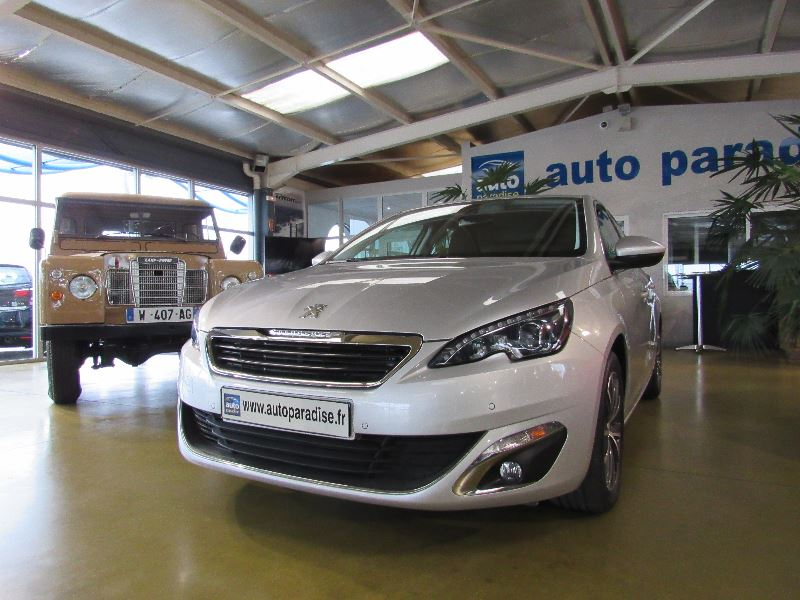 Véhicule d'occasion PEUGEOT 308 1.6 HDI 92 ALLURE